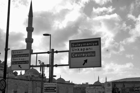 walking_in_istanbul_1