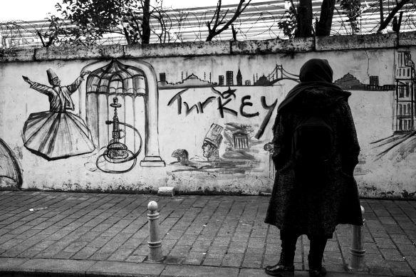 walking_in_istanbul_25